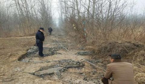 小偷盗走800米水泥公路  卖到石料厂获利近5000余元
